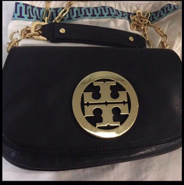 db53f7f770a Tory Burch Reva Logo Clutch Bag (Gold)