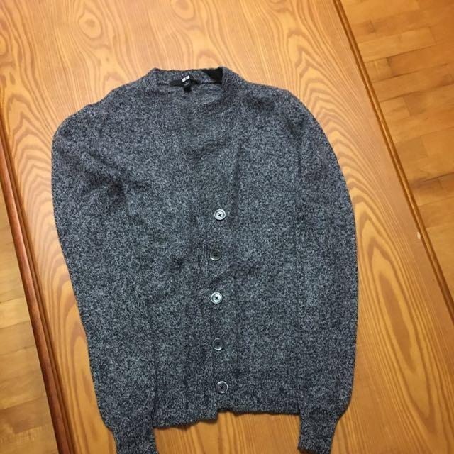 UQ羊毛針織襯衫