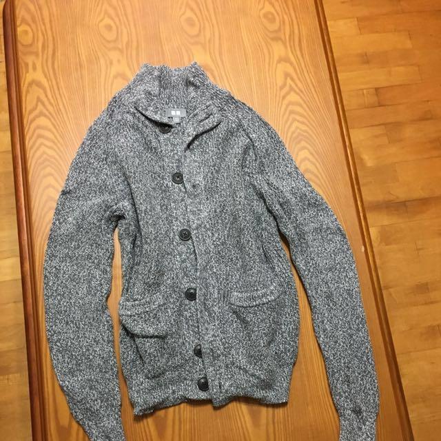 UQ厚針織外套
