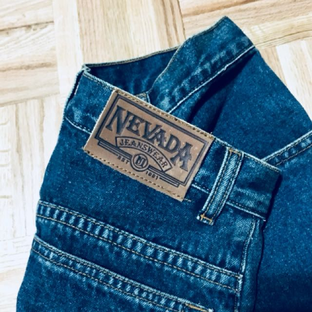Vintage 1990's NEVADA Jeans, High Waist Denim, With Relaxed leg.