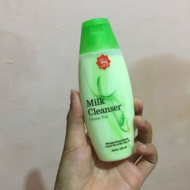 Viva Greentea milk cleanser