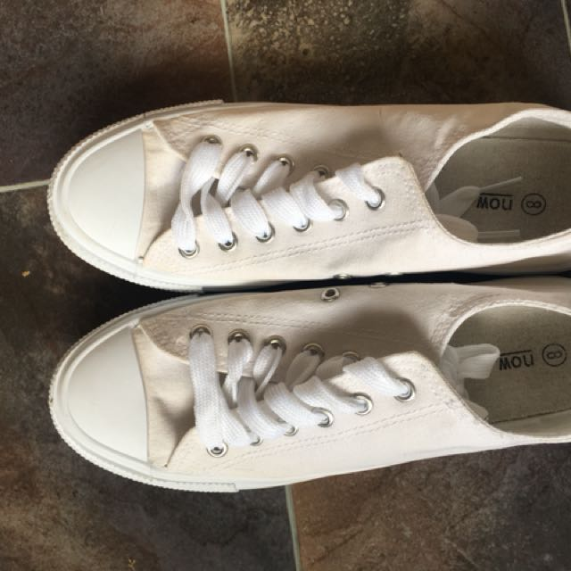 White sneakers size 8