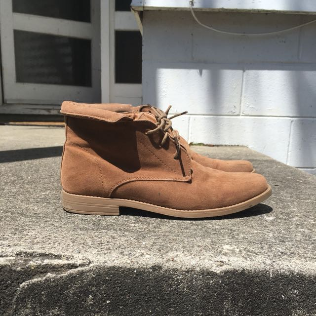 WOMENS CASUAL BROWN BOOT
