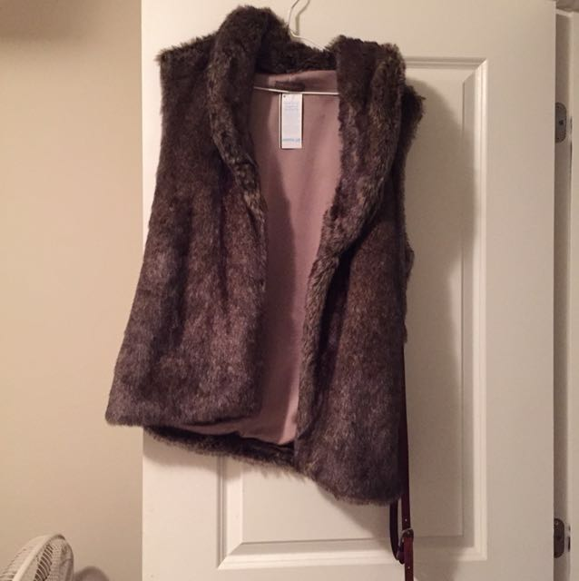 Women's Real Fur Vest from Sporting Life New with Tags - Great Christmas Gift!