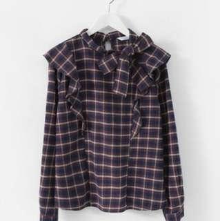 《正韓連線》特價肩荷葉造型領側綁結衫