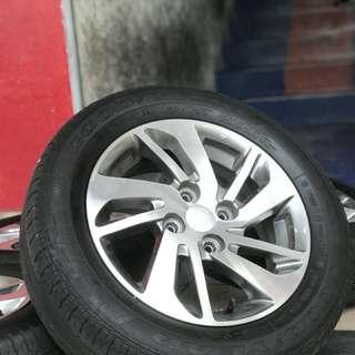 Original myvi ikon 14 inch tyre 70% estimated max. Ini rim, you cari itu lubang langgar arrrr.. itukkk lubang yang picahhh wooorrr!!