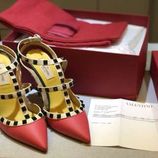 100% authentic Brand new Valentino ankle strap heel