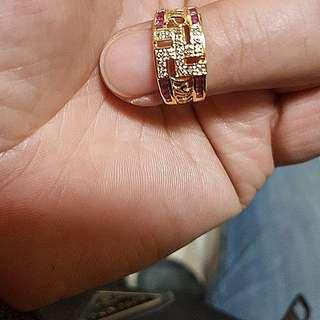 純 K金紅寶石真鑽 紅寶石是用鑲上去的 工序複雜 光工錢就不便宜了
