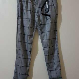 Plaid Pants with Belt