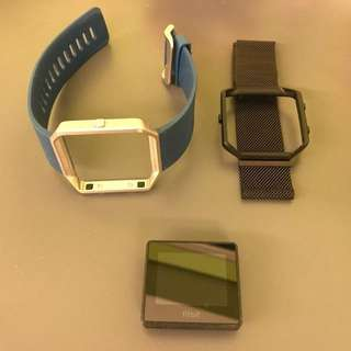 WTS: Lightly used Fitbit Blaze L Size, good condition with 1 more formal strap !