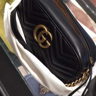 BN Gucci Marmont Zip in Black