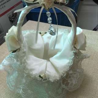Lovely lace small basket with handle