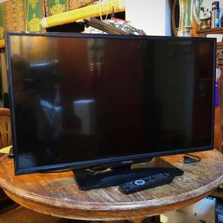 "Almost new 32"" inch Philips 32PHA4110/98 slim LED TV"