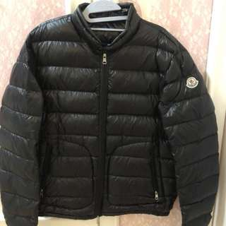 Moncler  黑色男裝薄羽絨 size :5 (XL) 99%  new and real