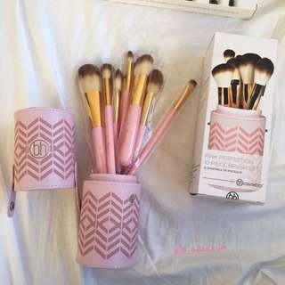 🚚 美國代購🇺🇸 BH COSMETICS 粉色刷具組 付刷具桶 刷具 10件 刷具組 禮物 粉底刷 化妝刷子