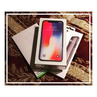 iphone X 256G gray colour including silicone casing+screan protraction. weeks old never use cause i'm happy with my old phone.