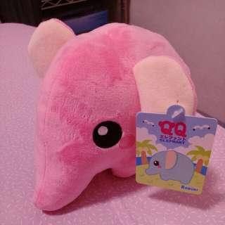 可愛粉紅象娃娃