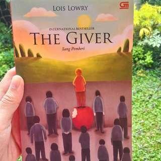 [Reprice!] Novel The Giver Karya Lois Lowry (Bahasa Indonesia)