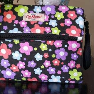 Pouch/slingbag cantik