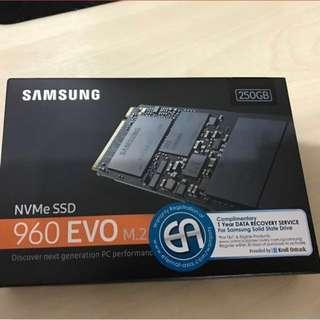 Samsung 960 EVO NVMe 250gb M.2 SSD