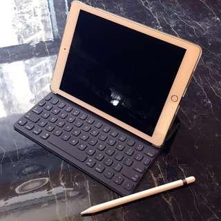 "iPad Pro 9.7"" 金色 WiFi 128gb/ Smart Keyboard/ Apple Pencil /Coverbuddy"