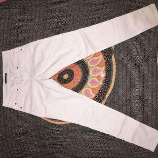 Celana putih zara basics