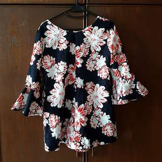 Floral romper with ruffles sleeve*almost new