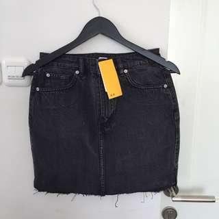 Hnm black skirt
