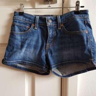 Levi shorts Size 24