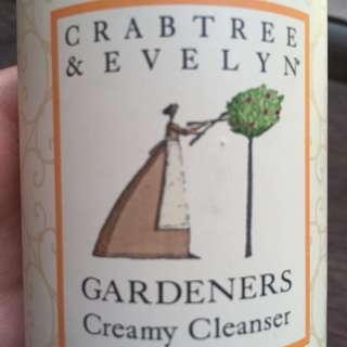 CRABTREE AND EVELYN hand Cleanser
