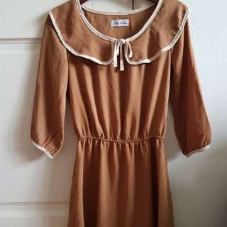 Brown flowy boat neck ribbon dress