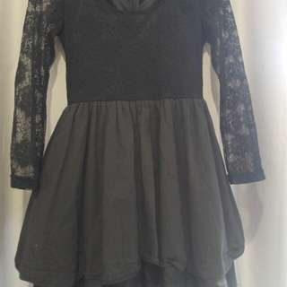 Black dress with lace sleeves - 8