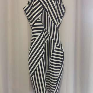 Tight fitting stripy dress - 6