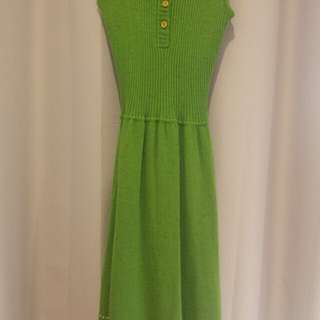 Vintage green dress (small hole at back)