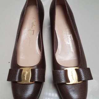 Salvatore ferragamo mini heels ori leather brown