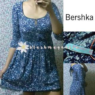 Bershka	Blue Long Sleeved Floral Dress