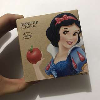 The Face Shop x Disney Collection (Snow White Princess Tone Up Cushion) 03 PINK
