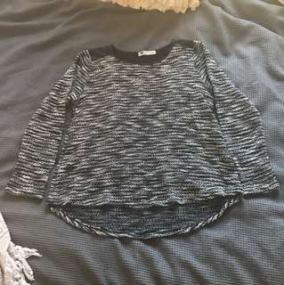 Temt black and white sweater