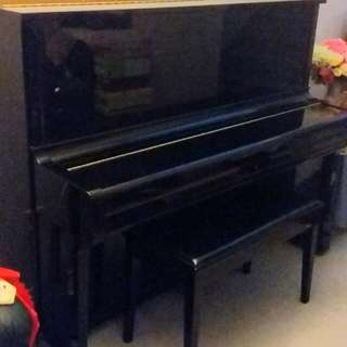 Piano Yamaha U1F