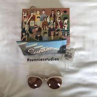 Sunnies Studio - Lindsay
