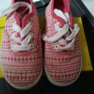 Pink shoes smart fit