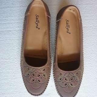 Sepatu kerja coklat