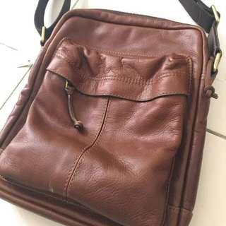 FOSSIL MEN SLING BAG