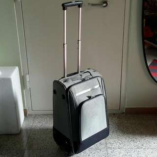 """Cabin 22"""" 4 Wheels Spin Luggage Bag"""