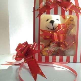 GIFT BOX CHRISTMAS/ BIRTHDAY/ SOUVENIR WEEDINGDAY ONLY 40K