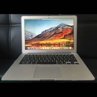 MacBook Air 13-inch SSD128GB Mid 2013,香港行貨,功能完好,自用機,保養好,95%新,有火牛。The MacBook Air 13 inch SSD128GB Mid 2013, Hong Kong goods, the function is intact, self-use machine, maintain good, 95% new, have the charger.