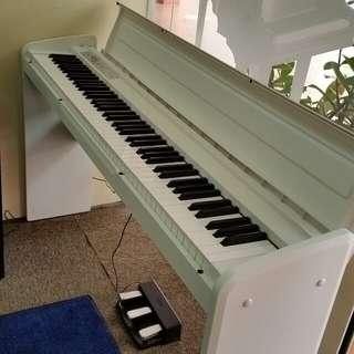Korg LP180 White Digital Piano