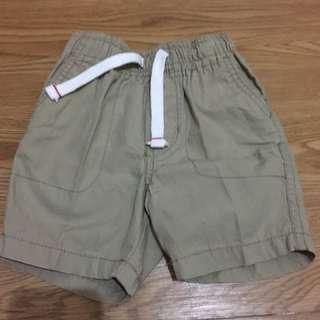 Celana Pendek merk Carter's warna krem size 18M
