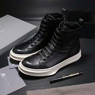 High-top leather shoes