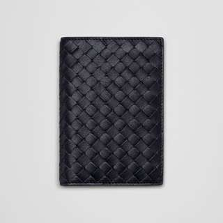 Bottega Veneta passport holder (100% original)